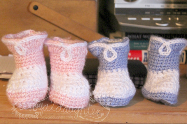 Gender Reveal Party Ideas Crocheted baby booties
